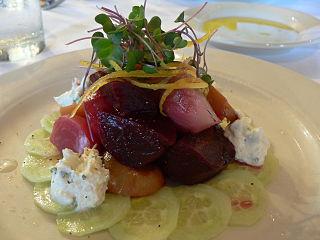 320px-Cucumber,_beets,_crème_fraîche_and_horseradish