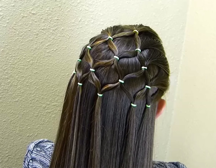 Christmas Hairstyles Easy.Easy To Do Christmas Tree Hairstyle For The Holidays