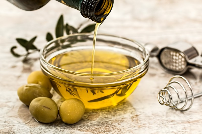 olive-oil-968657_1280 constipated
