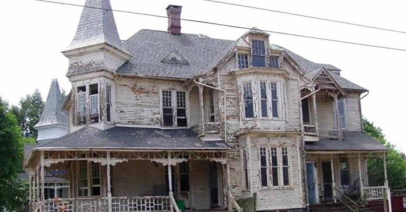 restored house FI