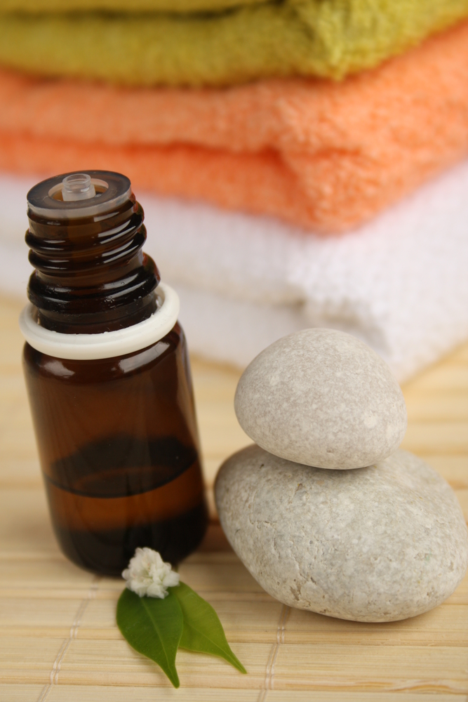 Remove Mold FAST With Tea Tree Essential Oil!
