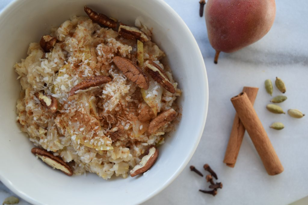 Warm-Winter-Oatmeal-Pear-2-1024×683