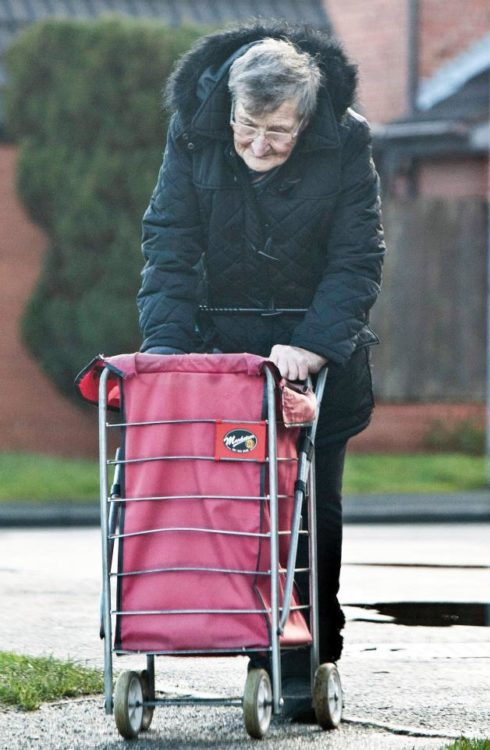 Humphreys doesn't appear to actually need the items she steals; during her latest arrest, officers found Pampers and baby milk in her trolley. (Image via TheSun.Co.uk)