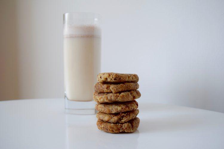 Chewy-Almond-Date-Cookies-Maria-Marlowe-750×500