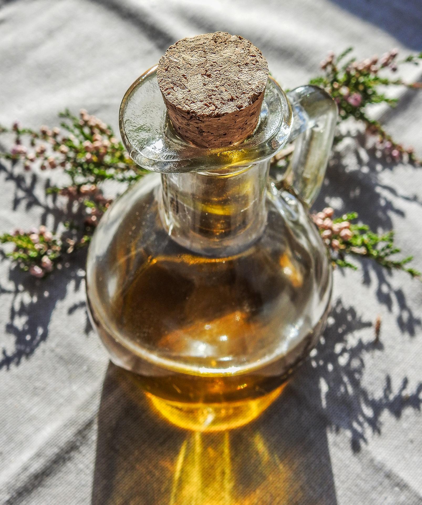 essential-oils-2766011_1920