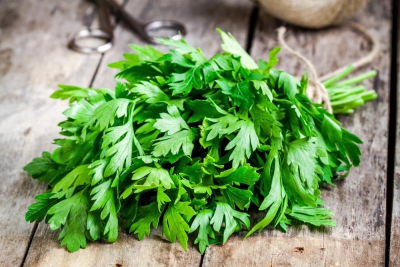 peripheral edema parsley
