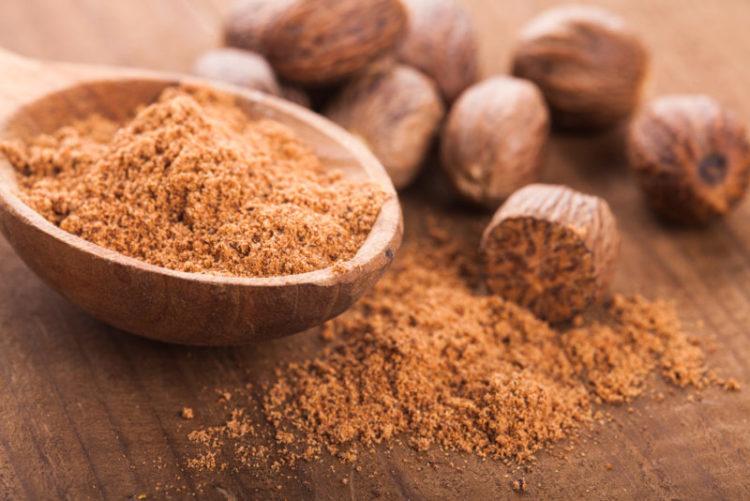 Nutmeg oil