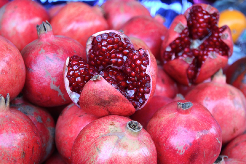 pomegranate seeds health benefits
